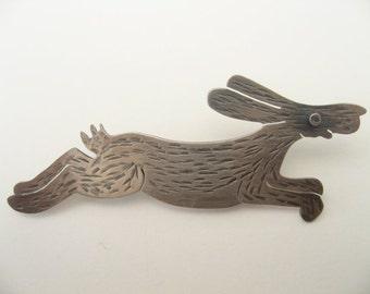 Running Hare Brooch in sterling silver