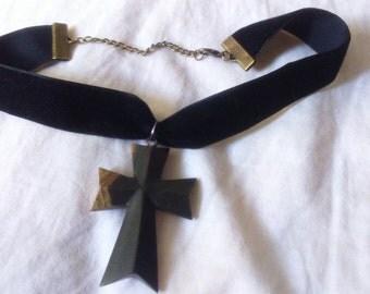 Necklace choker black velvet, vintage wooden cross
