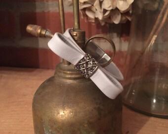 Soft Leather Pale Blue/Gray Daisy Bracelet: Magnetic Clasp