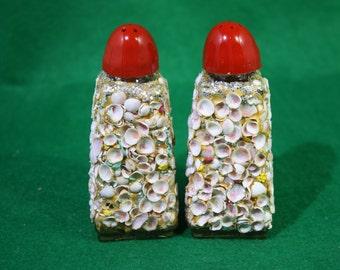Vintage Novelty Sea Shell Encrusted Florida Souvenir Salt and Pepper Shakers