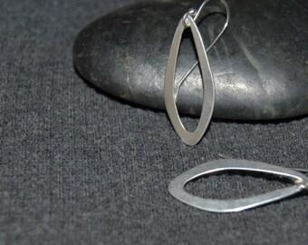 small silver teardrop earrings, tiny oval hoop earrings, sterling silver, open circle earrings, minimalist jewelry, everyday drop earrings