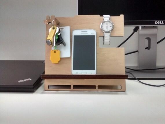 hnliche artikel wie geschenk f r m nner telefonhalter tablet halter ipad st nder. Black Bedroom Furniture Sets. Home Design Ideas