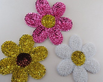 Kitchen Magnet, Daisy Magnet, Glass Beaded Flower Magnet, Refrigerator Magnet