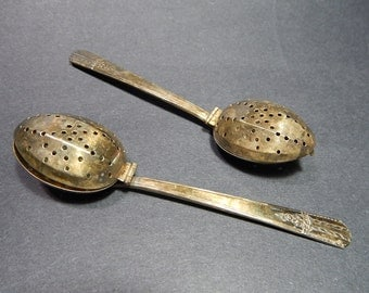 2 Oneida W.M.A. Rogers A I Plus Silver Plate Hinged Tea Infuser Spoons