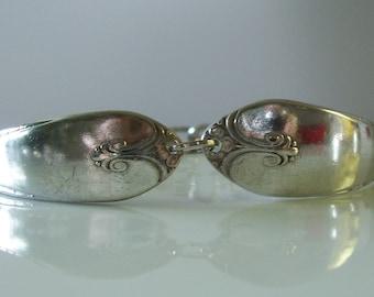 1940 Exquisite Pattern Spoon Bracelet