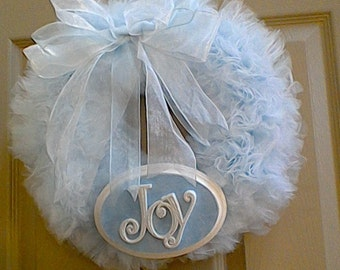 Tulle Wreath with Joy Sign