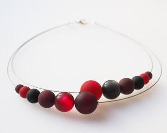 red necklace black necklace polaris bordeaux
