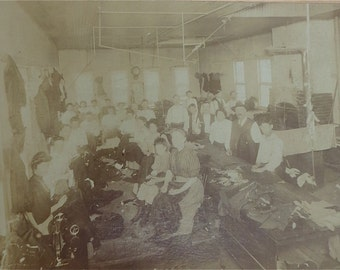 Original 1920's Clothing Manufacturer Occupational Photograph - J. Guthorn New York Sweatshop 10 x 8 - Free Shipping