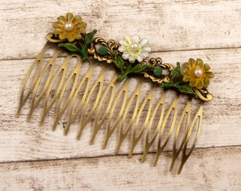 Hand-painted floral hair comb in antique style, flower hair accessories, girl hair jewelry, daisy, summer hair comb, gift idea woman