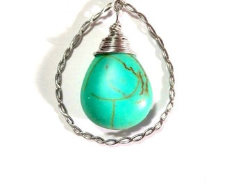 Turquoise tear pendant of 4 cm