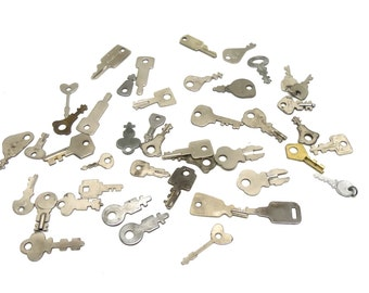 Pile of 45 Mid Century Keys Charms Pendants Jewelry Supplies