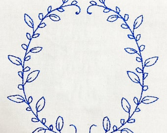 Simple and elegant hand drawn style wreath machine embroidery design – perfect frame for a name, date or initial