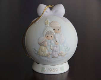 "Precious Moments by Enesco ""Peace on Earth"" Special 1989 Issue Porcelain Ornament"