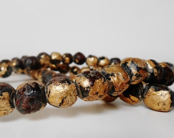 Mala necklace from Myamar - wooden beads (15mm) with goldpaint