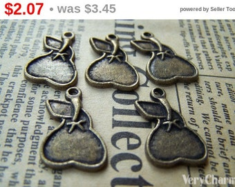 10 pcs of Antique Bronze Pear Fruit Charms 15x22mm A445