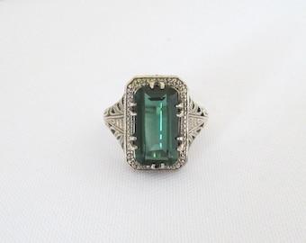 Vintage Sterling Silver Emerald Filigree Ring Size 8