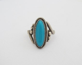 Vintage Southwestern Sterling Silver Turquoise Ring Size 6.75