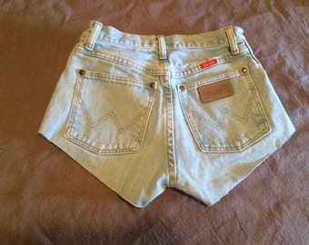 High Wasted Cut Off Shorts