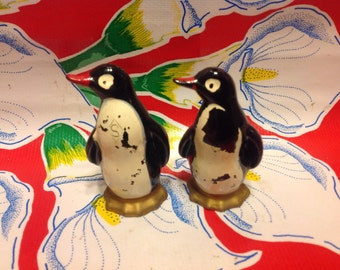 Vintage black penguin salt and pepper shakers- Japan