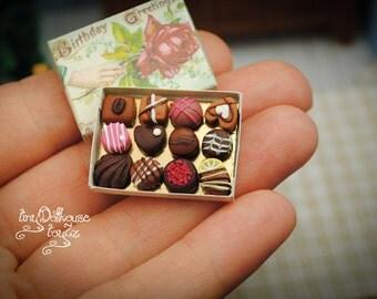 Super realistic miniature chocolates chocolate box, Doll House miniature, miniature food