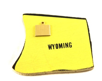 6x Brass Blank Wyoming State Charms - M073-WY