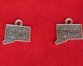 "BULK! 30pc ""Connecticut"" charms in antique silver (BC886B)"
