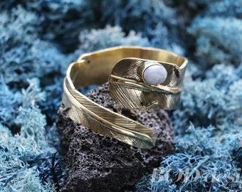 Feather bracelet with moon stone