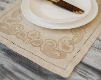 Vintage Placemat Natural with Floral Design