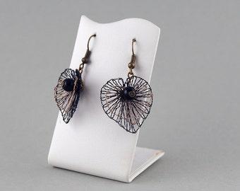 Black Heart - earrings, earring wire, lace jewelry, filigree earrings, black + bronze, bobbin lace manually.