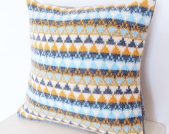 Knitted cushion, Knitted Pillow, Knitted Geometric Cushion, Knitted  Lambswool Cushion, Knitted Triangle Cushion, Handmade Knitted Cushion