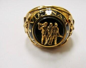 Franklin Mint 925 Sterling Silver Vermeil Vietnam Vet Ring Item W # 474