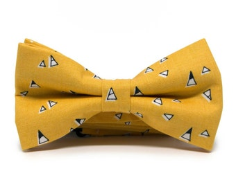 Mens yellow triangles bow tie - Geometric bow tie - Yellow mens tie - Mustard and black bow tie - Pretied bow tie - Minute Papillons bow tie