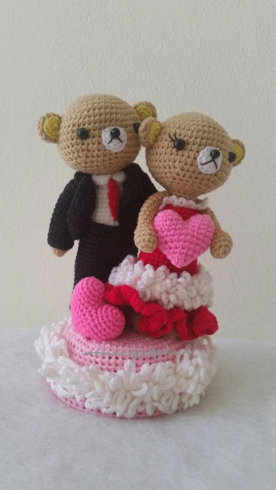 Bride and Groom Dolls Music Rotating Box Wedding crochet