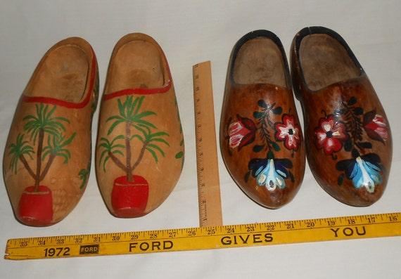 Vtg pr wood shoes christmas santa s wooden souvenir