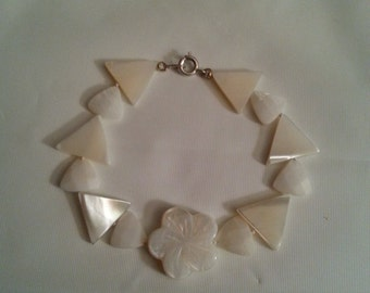 """Sterling silver mother of pearl triangle bracelet 7 """""""