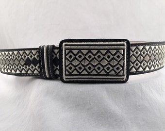 Mens leather WESTERN EMBROIDERED BELT size 34 piteado grabado