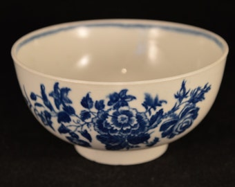 First Period WORCESTER Tea Bowl / Slop bowl Three Flowers pattern - c1770