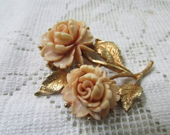 Lovely peach hard plastic classic rose brooch pin