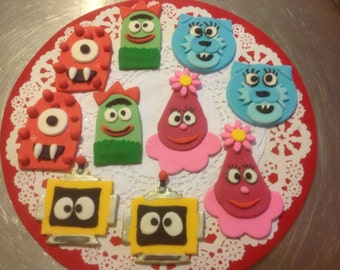 20 Go Gabba Gabba fondant cup cake toppers.
