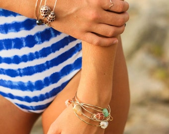 Hawaiian Shell Bangle with heart charm