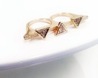 Double finger triangle pave ring in gold plate