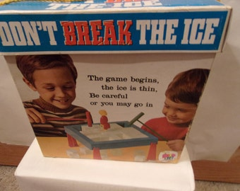 Vintage toy from 1969, Sshaper's Don't break the ice""