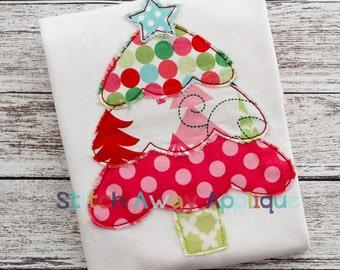 Layered Christmas Tree Machine Raggy and Satin Applique Design