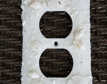 White Sand Dollar & Seashell Outlet Cover