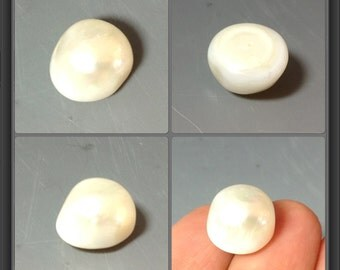 Fresh water pearl/ half drilled