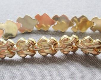 """18k gold bracelet solid gold MILOR bracelet. 7.25"""" vintage gold bracelet. Heavy gold bracelet Made in Italy. 11.8gr. 10mm wide Unique  link"""