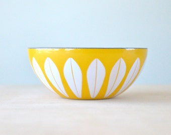 "Marked 5.5"" Yellow + White Cathrineholm Enameled Lotus Bowl w/ Logo, Vintage Mid-century Modern, Made in Norway by Grete Prytz, Scandinavian"