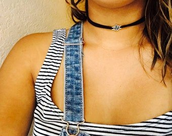 Floral  suede choker necklace
