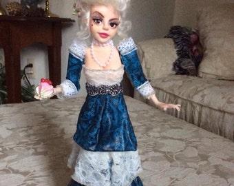 """Marie """"Let Them Eat Cake"""" Antoinette"""