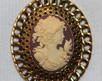 Gold Vintage Lady Cameo